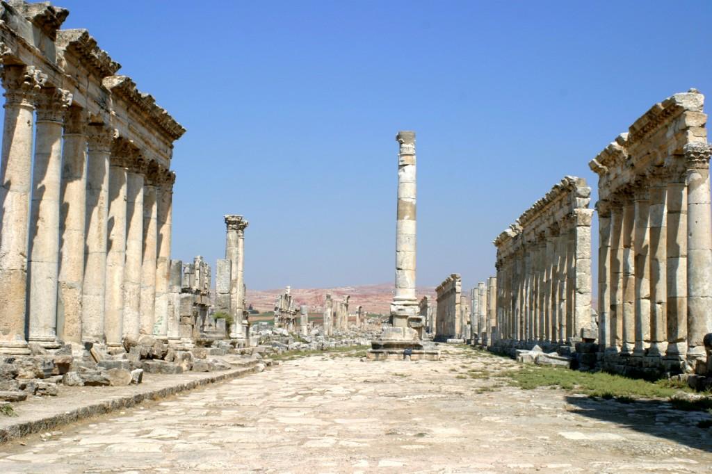 Hauptstraße von Apamea - die wohl einzige im Römischen Reich, welche nicht gerade war.