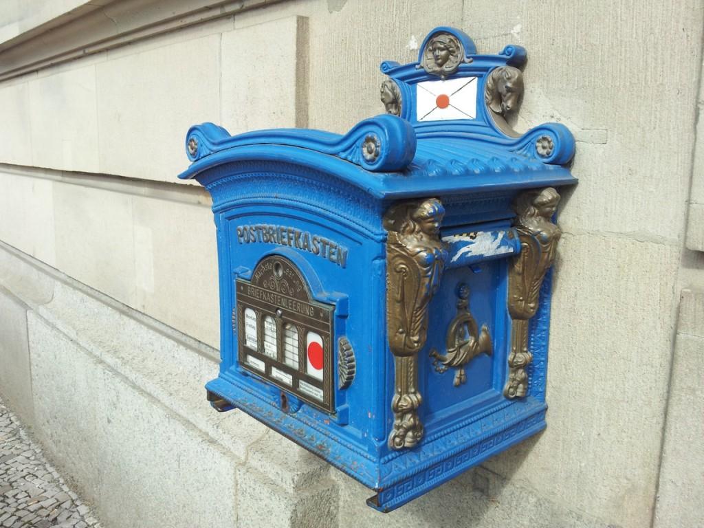 blauer briefkasten potsdam hauptpost