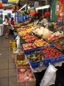Obststand auf dem Markt in Porto