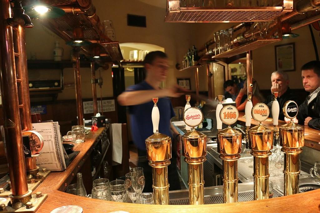 Zapfhähne in Prager Bar