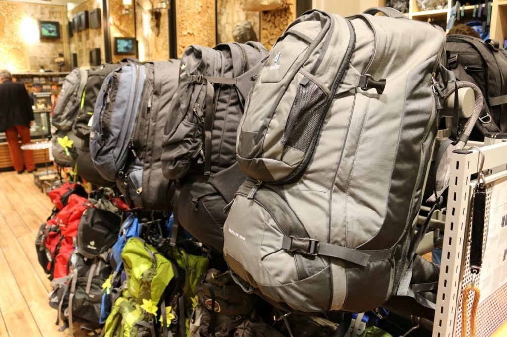 Backpacking-Packliste rucksack laden ausrüstung backpacking