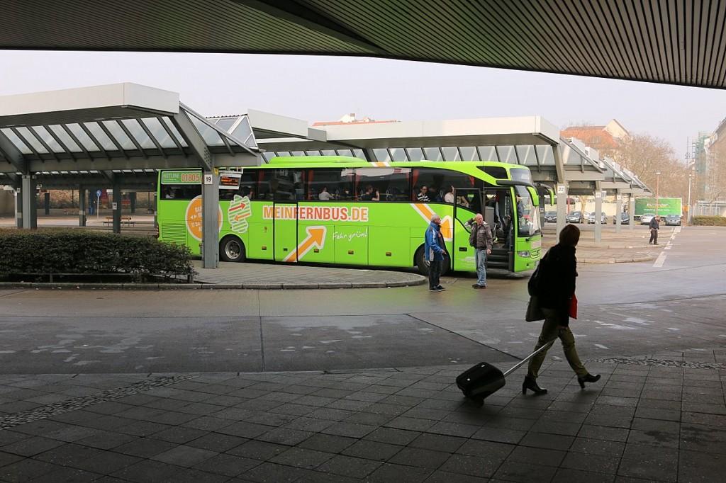 billige Fernbusse machen mitfahrgelegenheit konkurrenz