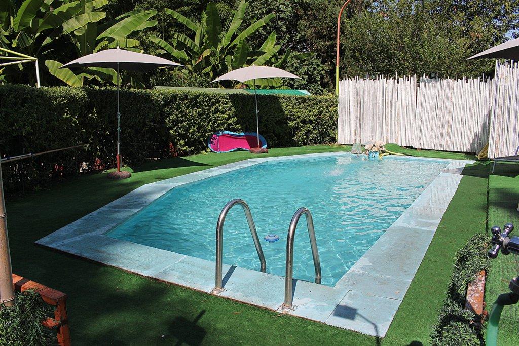 Hostel Pool in Zagarolo Rom Italien