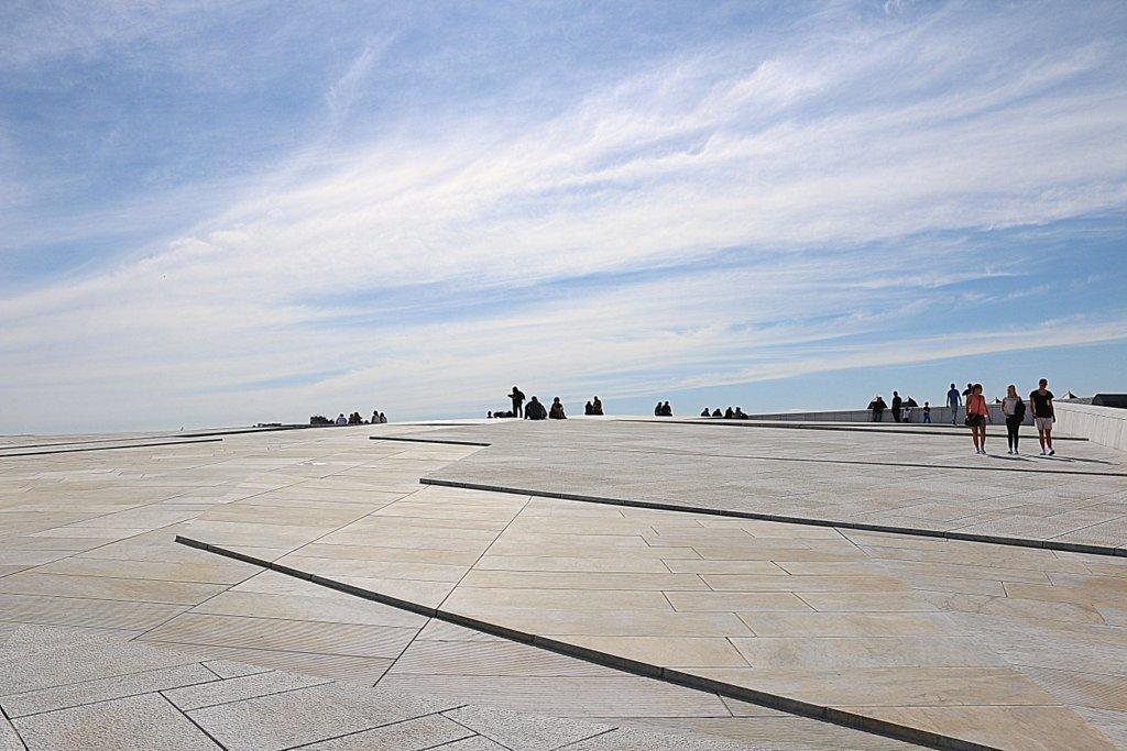Der Ausblick über die Oper hinaus in den Himmel.