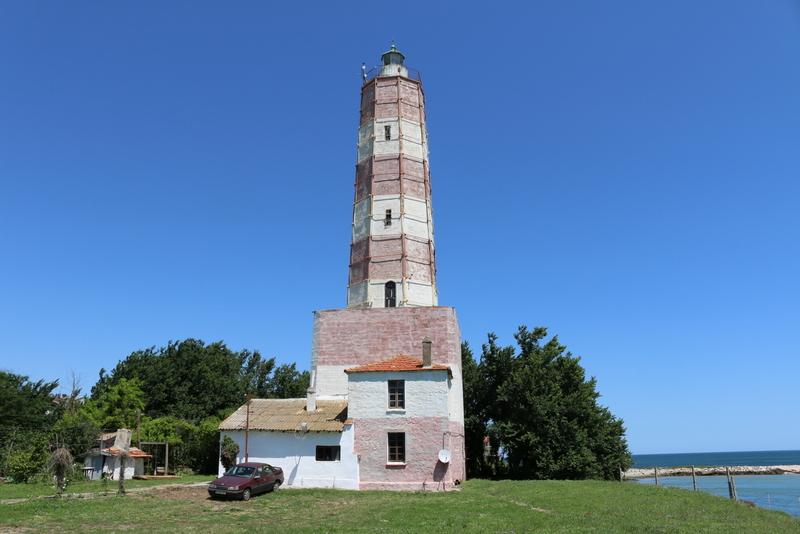 Wenn das Rot am Leuchtturm Schabla eine Signalfarbe sein soll, dann höchstens als Warnung vor dem drohenden Verfall.