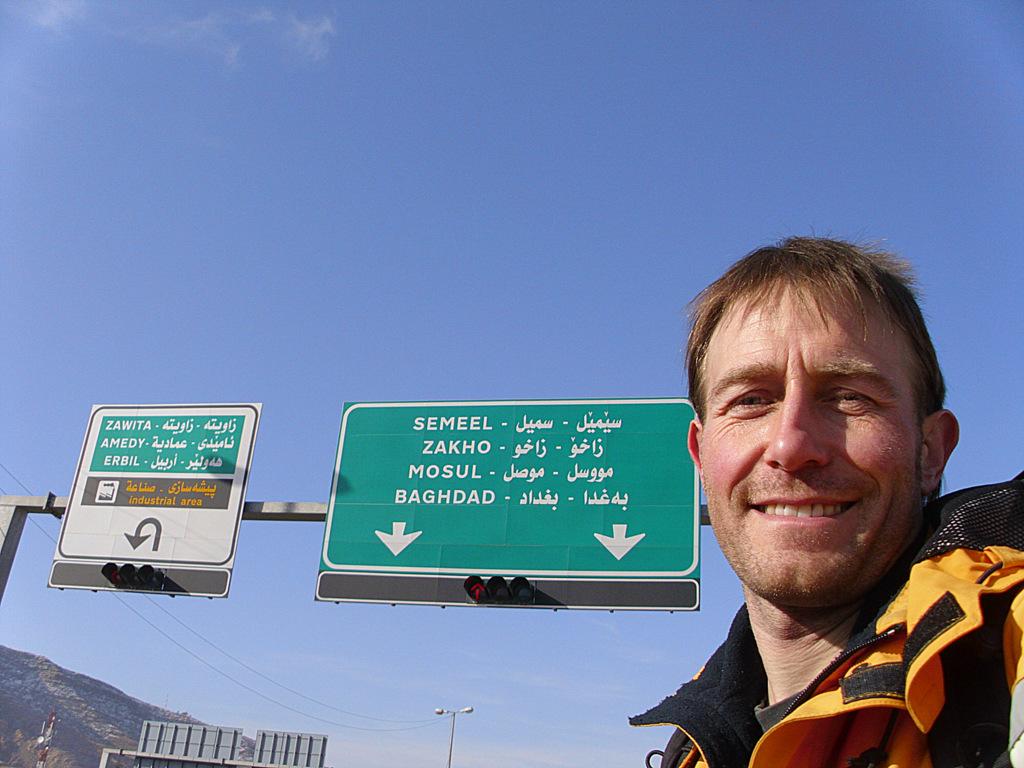 Gregor Majewski trampt in den Irak.