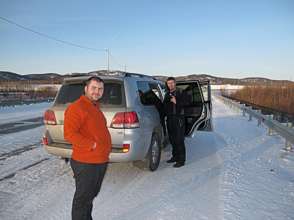 Dimitri und sein Bruder überführen gerade ihren neuen Jeep nach Wladiwostok.