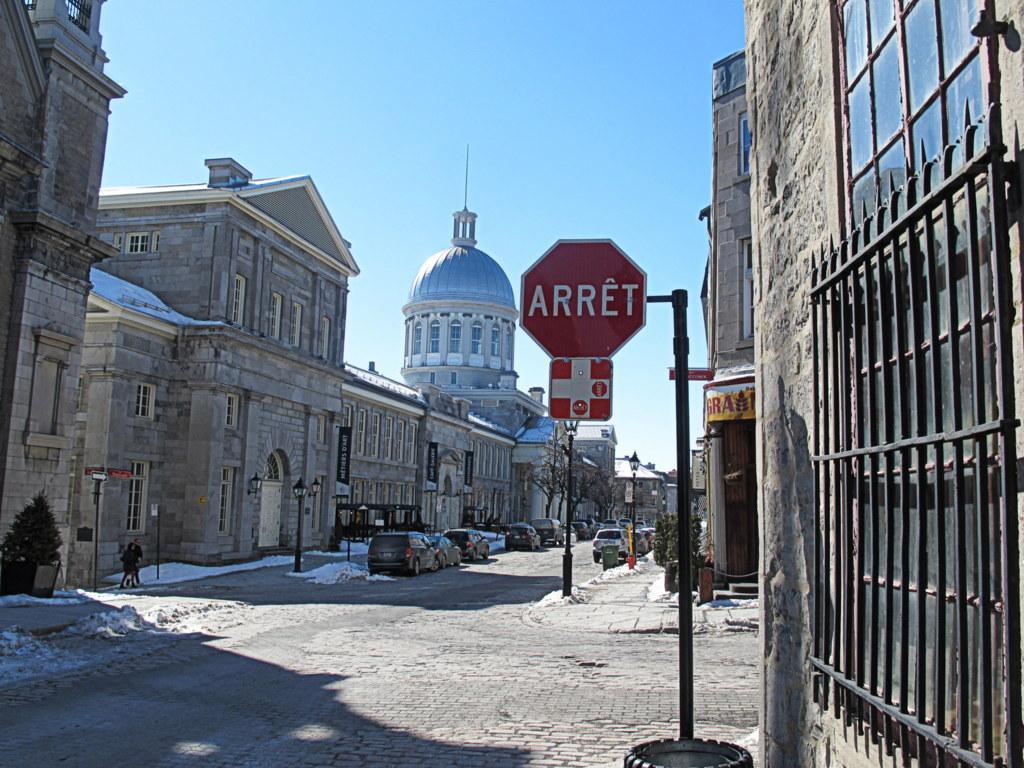 In Montreal sind sogar die Stoppschilder auf Französisch. Das sind sie nicht einmal in Frankreich.