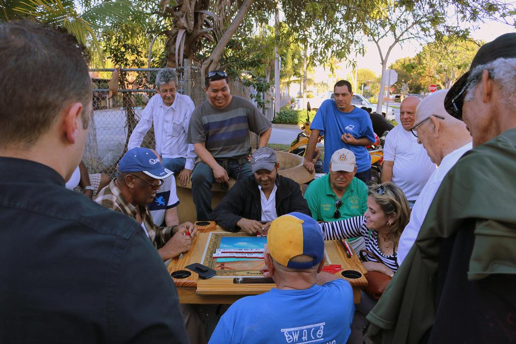 Domino Park Little Havana Kubaner spielen Domino