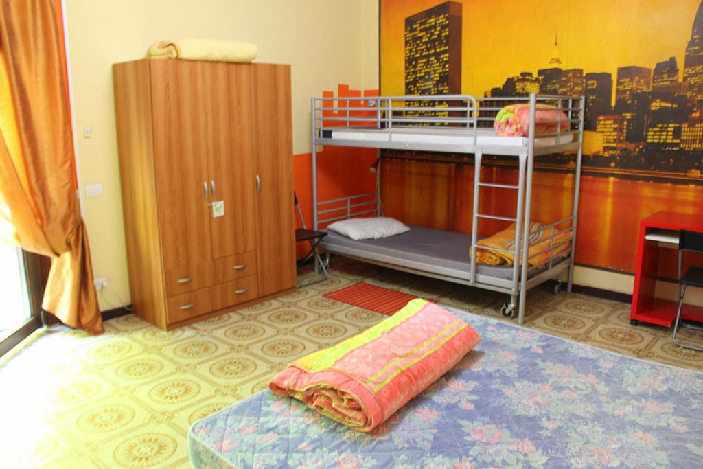 Ohrstöpsel sind in Hostels und in Verkehrsmitteln immer praktisch.