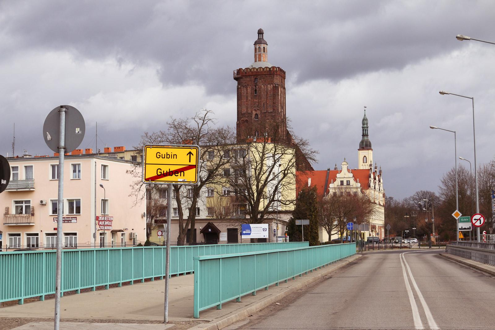 Guben ist zweigeteilt in eine deutsche und eine polnische Seite.