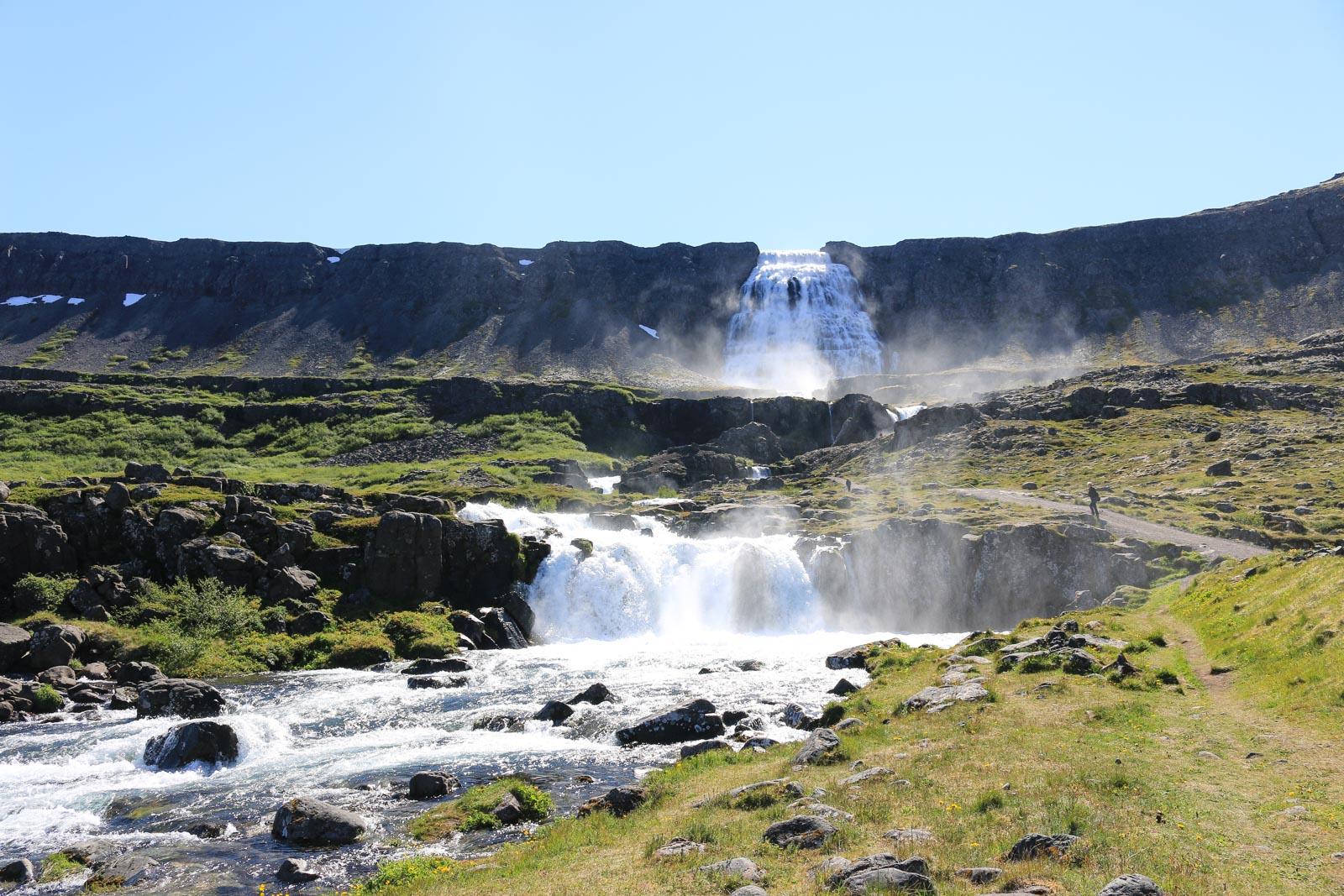 Der Dynjandifoss ist der bekannteste Wasserfall in den Westfjorden von Island.