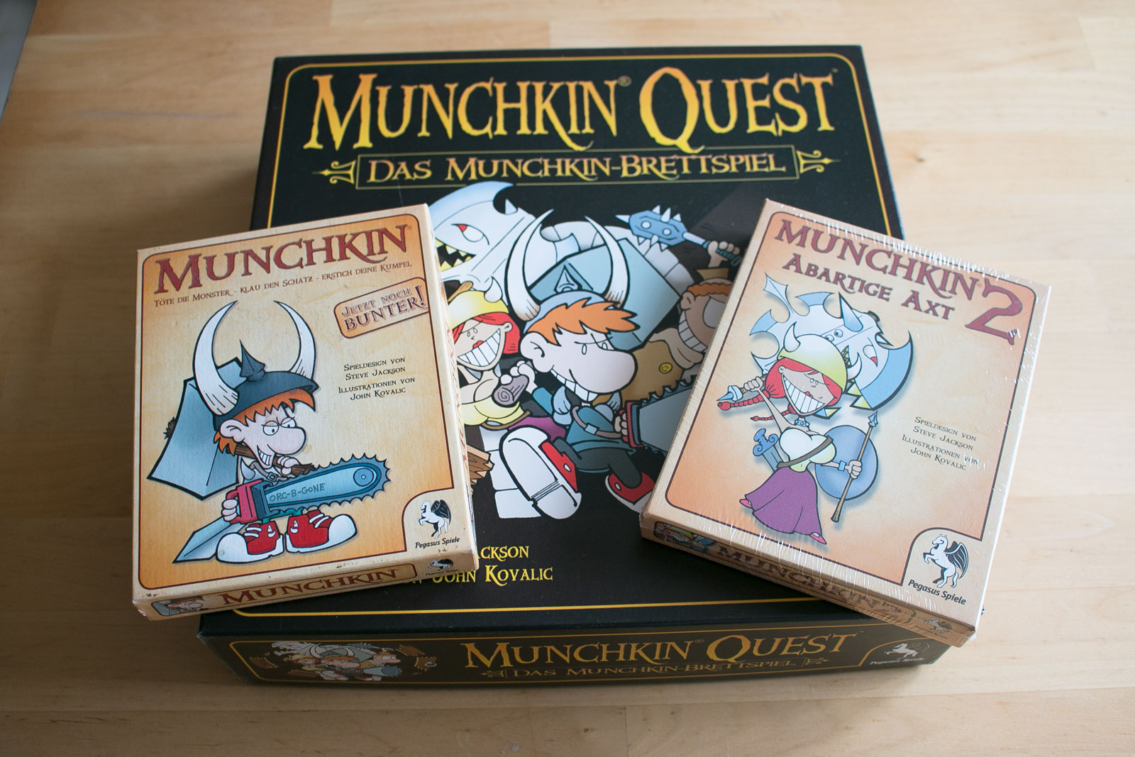 Unter anderem zu verkaufen: Munchkin :-)