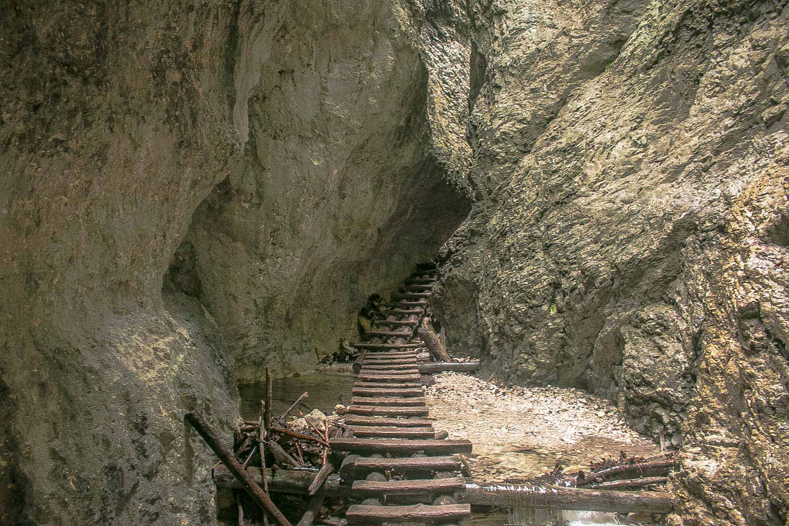 Slovensky Raj Höhlen