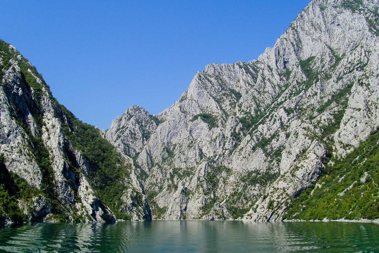 Albanische Alpen Koman-Stausee
